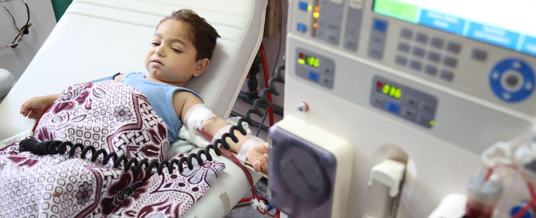 Enfant à Gaza recevant une aide médicale