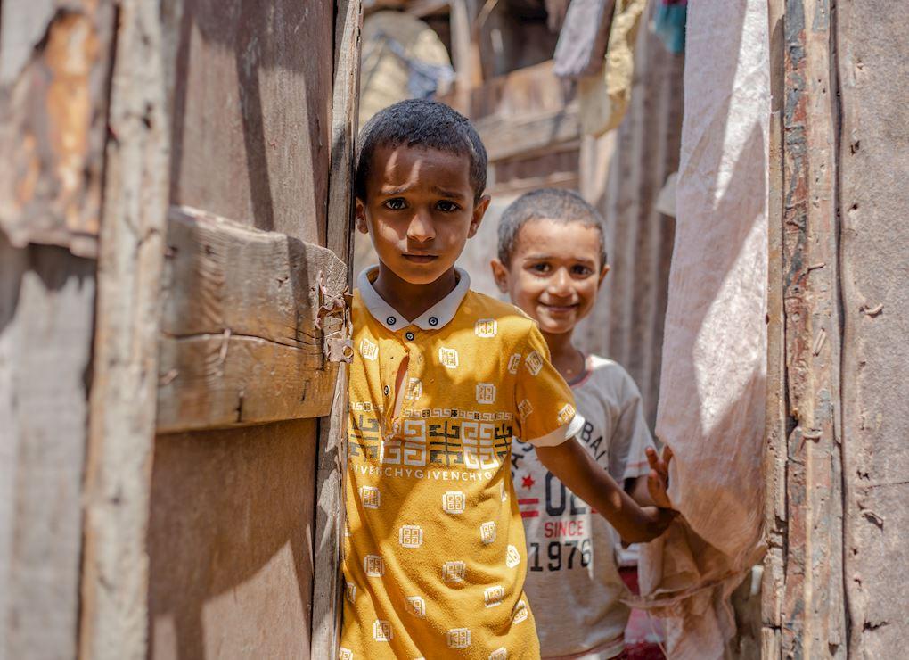 Donner aux orphelins et enfants démunis